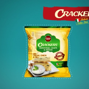 CRACKERS WITH CREAM, ONION & DILL