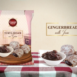 GINGERBREAD WITH JAM