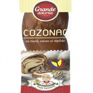 Sweet Bread with Nuts, Raisins and  Cocoa